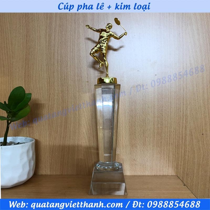 Cúp pha lê kim loại (mẫu giải cầu lông cao)