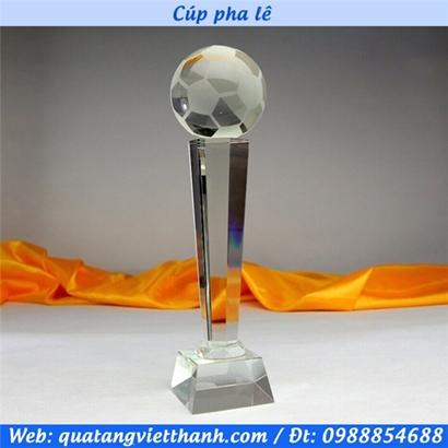 Cúp pha lê quả bóng đá