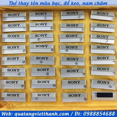 Thẻ thay tên bạc Sony